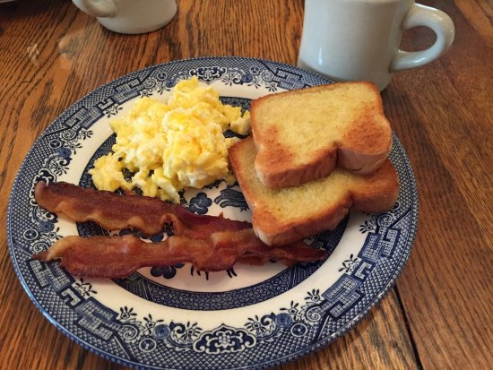 Mullins, SC: breakfast included with your stay