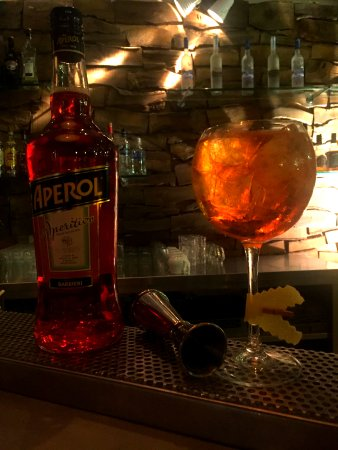 Aperol Spritz, Deck Lagonisi, cocktail bar