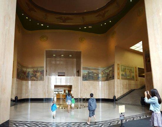 Oregon State Capitol: 20160624_084127_large.jpg