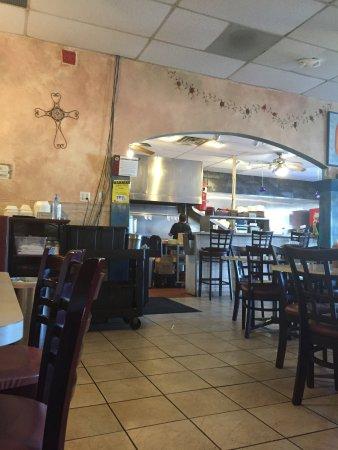 Highwood, IL: Restaurant interior.