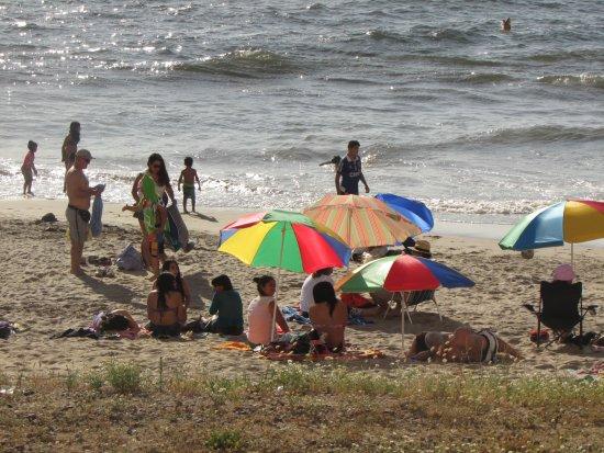 Tome, ชิลี: Playa Bellavista en verano
