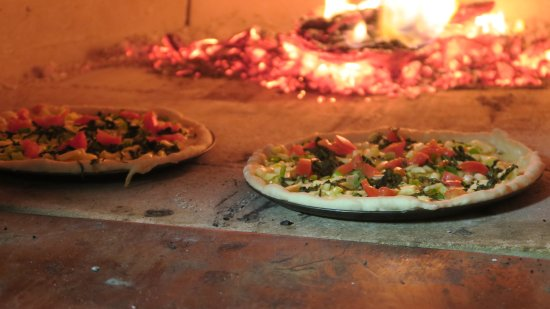 New Norfolk, ออสเตรเลีย: Wood fired Pizzas