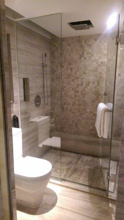 แกรนด์เมอเคียวเซี่ยงไฮ้ซงยาบายแอ็คเคอร์: 浴室內