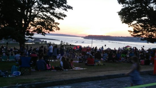 Everett, WA: Legion Park with a great view of the sunset.