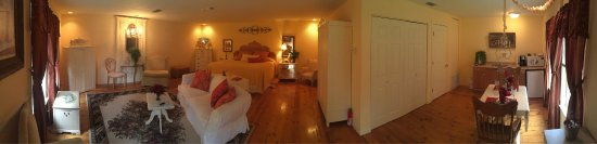 Elm Creek Bed & Breakfast: photo0.jpg
