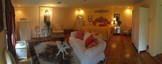 Elm Creek Bed & Breakfast: photo3.jpg