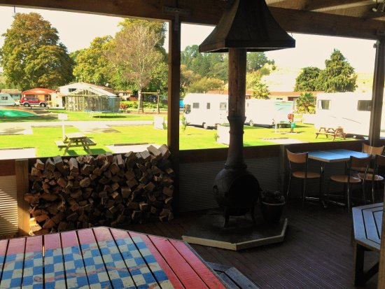 Whanganui River Top 10 Holiday Park: Outdoor BBQ and Dining Area with Chimnea - winter heat!