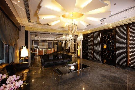Hotel Sense: Lobby