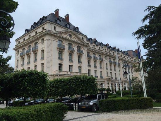 Breakfast buffet photo de waldorf astoria trianon palace versailles versailles tripadvisor - Hotel trianon versailles ...