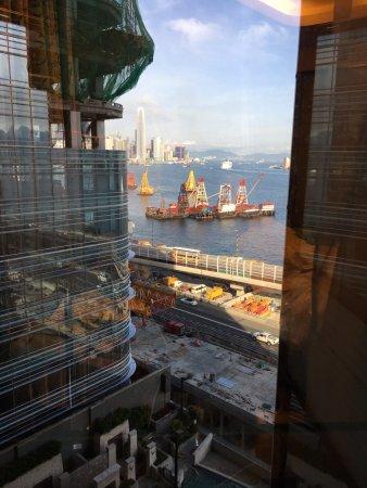 Harbour Grand Hong Kong: 只能說是1/3的海景