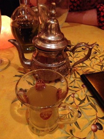 Dametra Cafe: My Moroccan tea. Unbelievable. And enough for two.