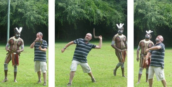 Caravonica, Australia: Real life experience boomerang and spear throwing.