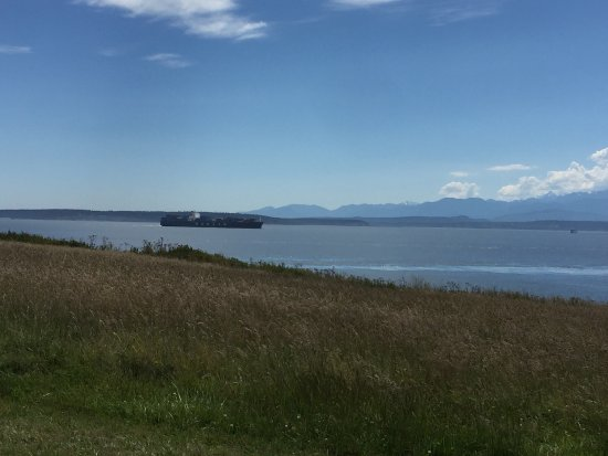 Fort Casey State Park: Ft. Casey was a delightful way to spend an afternoon climbing to the top of the lighthouse,   ch