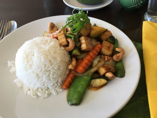 Tosakan Thai Restaurant: Cashew nut stir fry with vegetables and tofu (lunch, $10.50)