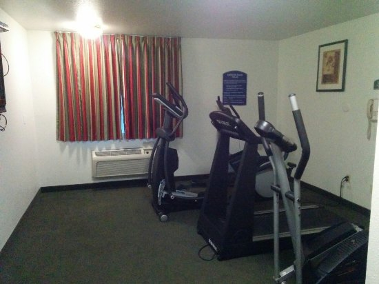 Howard Johnson Inn Salem: Fitness room