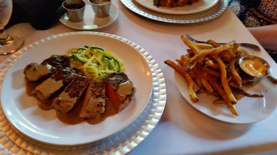 Loudonville, OH: New York Strip at the Copper Mug