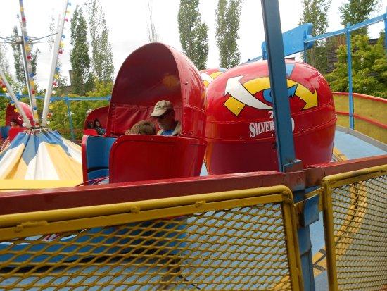 Silverwood Theme Park: Tilt a whirl