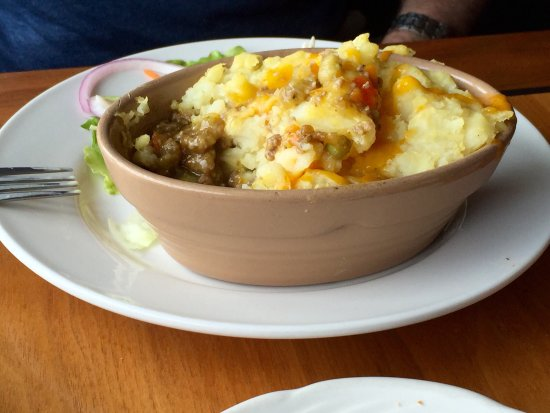 Scarriff Inn: Good Lamb stew and ordinary  Shepherd's pie