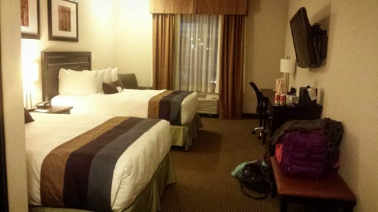 Best Western Plus The Inn at St. Albert: Room 420