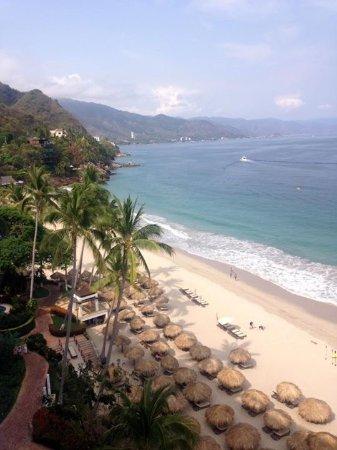Hyatt Ziva Puerto Vallarta: What a view of this amazing  beach