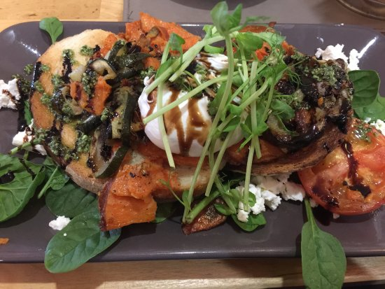 Amaroo Motel : Food from the Cafe Next door!