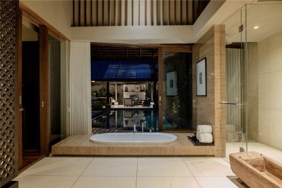 Ametis Villa: Evening Bathroom at Premiere Villa