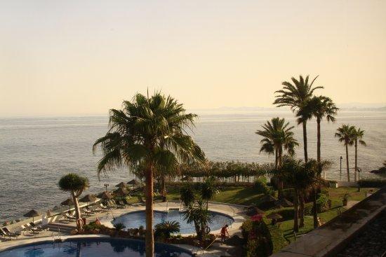 THB Torrequebrada Hotel: photo prise au niveau de la salle à manger, petit déjeuner avec une vue superbe