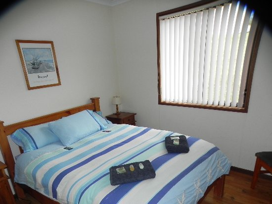 Waves and Wildlife Cottages: 2nd bedroom