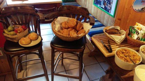 Alpengasthof Paletti: breakfast table