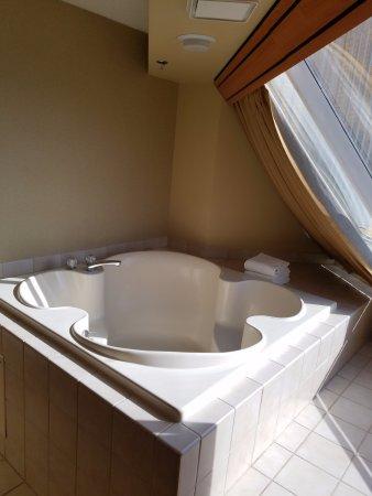 deep soaking bathtub. Luxor Hotel \u0026 Casino: Deep Soaking Tub For 2 Bathtub