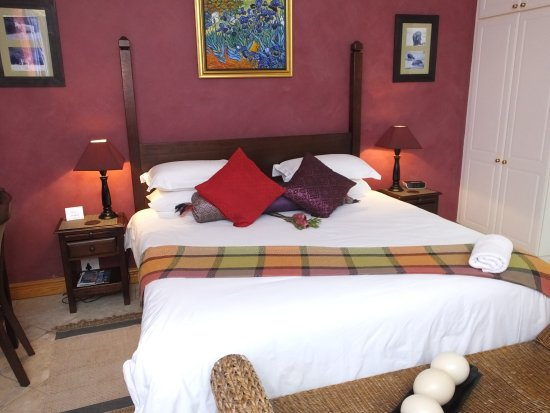 Cape Flame Guest House: Luxury Room 4