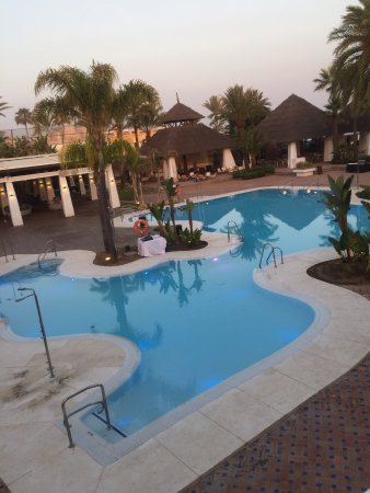 Don Carlos Leisure Resort & Spa: This is the beach pool good music great staff and right on the beach