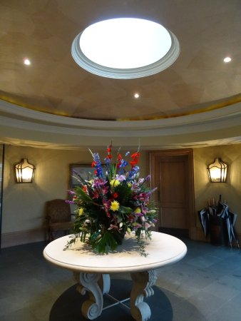 Old Course Hotel, Golf Resort & Spa: entrance foyer