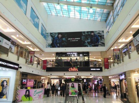 Dlf Mall Saket Food Court