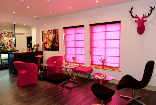 The bright pink bar at Table Manors - Picture of Table Manors ...