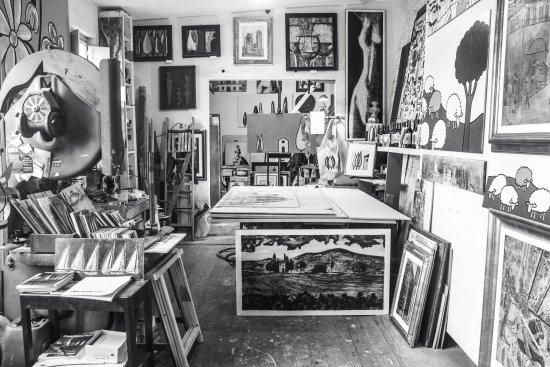 Art Gallery Studio Iguarnieri: The inside studio