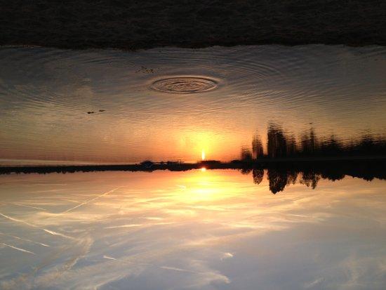 Das Lehmhaus am Anger: Am naheliegenden Schladitzer See kann man baden, surfen oder Sonnenuntergänge bestaunen