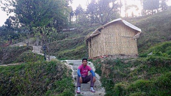 Camp Wildex, Kanatal: A hut at the camp site.