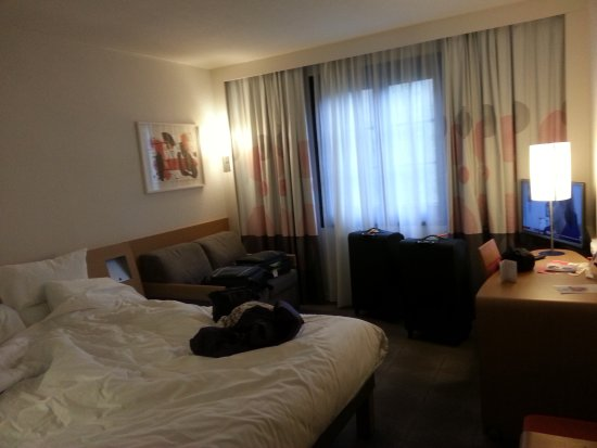 Novotel Brussels Grand Place: Spacious rooms by European standards