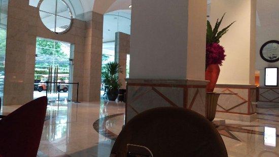 Rembrandt Hotel Bangkok: IMAG1054_large.jpg