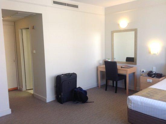 Perth Ambassador Hotel Photo