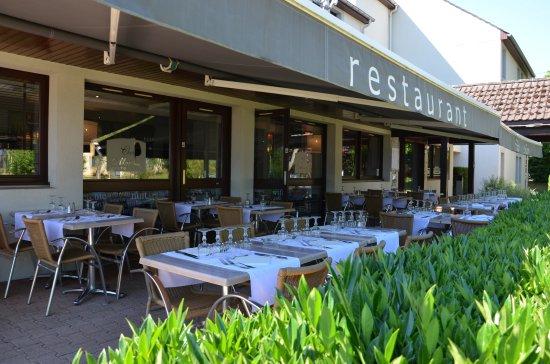 restaurant terrasse kyriad dijon mirande picture of kyriad dijon est mirande dijon. Black Bedroom Furniture Sets. Home Design Ideas