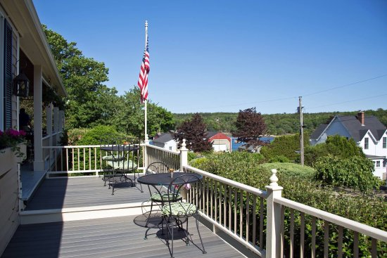 East Boothbay, ME: Some of the scenery in and around the immediate vicinity of the Five Gables Inn.