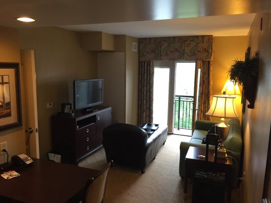 Homewood Suites by Hilton Davidson: 5th floor king balcony room