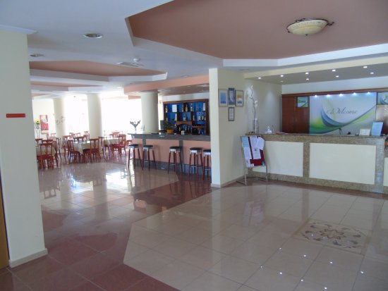 Petros Hotel: reception, bar and dinning