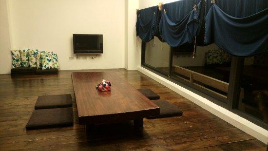 Li Tao Wan: 大房有很寛廣的客廳, 很適合一家人或一群朋友去玩!
