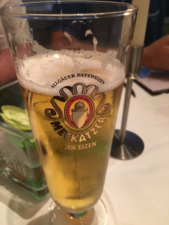 Tiffany's Steakhouse: Beer..