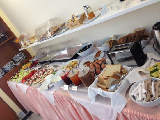 Yakinthos Hotel: Petit-déjeuner
