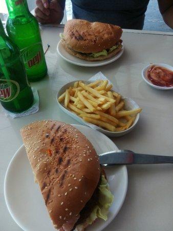 Mom's Burger Lab