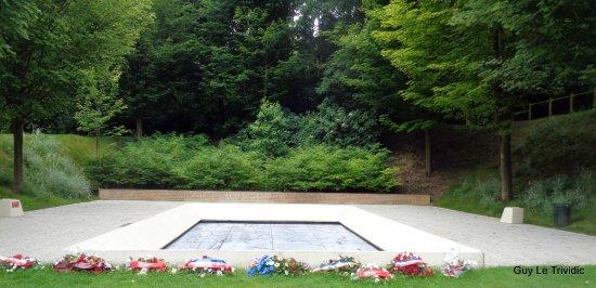 mmorial of caen le jardin du souvenir canadien - Jardin Du Souvenir